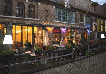 Fête  de la Musique dans la cour du restaurant L' Adresse à Amiens    21 Juin   Entre 19 & 21 H